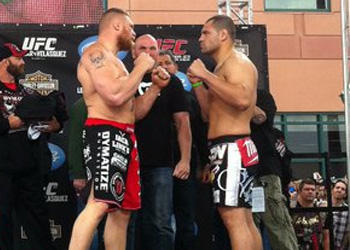 Brock Lesnar Cain Velasquez UFC Weigh In 121