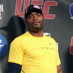 Anderson  Silva Already Resumes Kicking (Video)