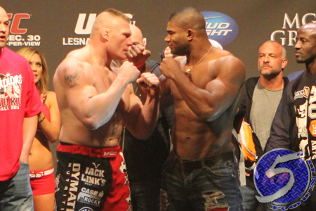 UFC Brock Lesnar Alistair Overeem 141