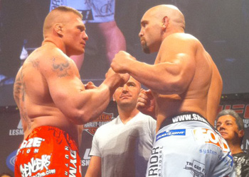 Brock Lesnar Shane Carwin UFC116 Weigh In